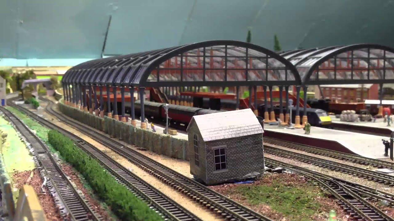 & n gauge station canopy and coal mine - YouTube