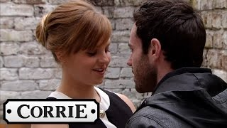 Coronation Street - Callum Distracts Sarah On Her Trial Shift thumbnail