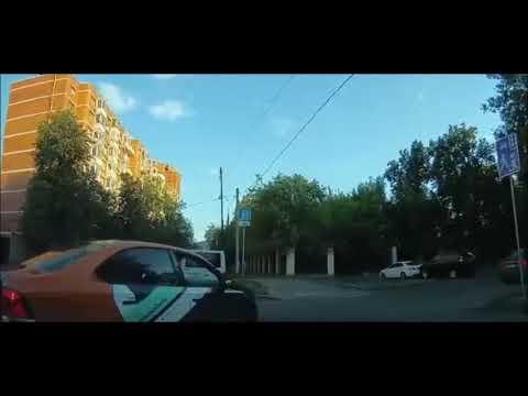 В Москве сотрудник Росгвардии начал угрожать водителю, который сделал ему замечание