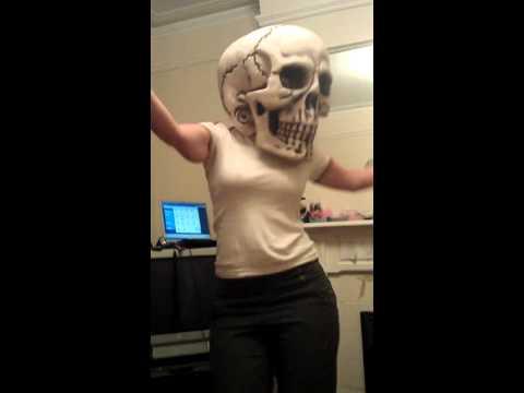 Sexy skeleton bitch thumbnail