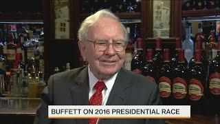 Warren Buffett: Hillary Clinton E-Mails Haven't Been Handled Well