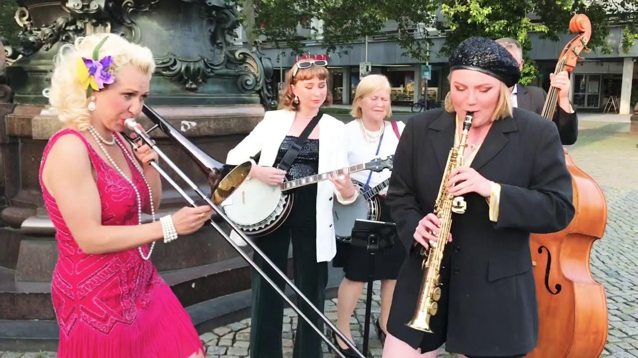 Listening 1/24/21 - Dresden Dixieland Stomp!