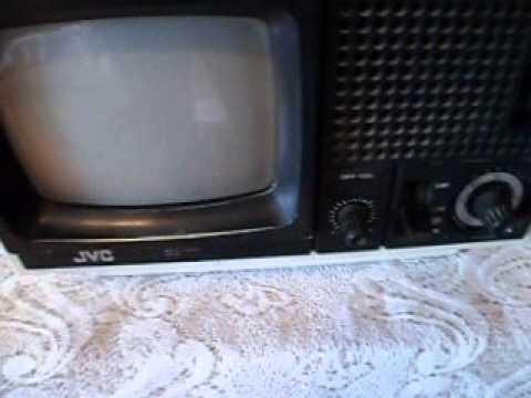 ANTIGUA TELEVISION JVC PORTABLE B/N 70s.
