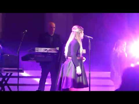 Kelly Clarkson ~ Don't You Wanna Stay ~ Plexus Believe ~ MGM Grand Arena ~ 06/01/2017