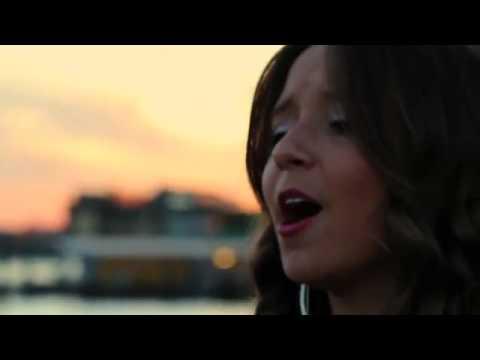 She Wolf (Falling to Pieces) - David Guetta ft Siaиз YouTube · С высокой четкостью · Длительность: 3 мин6 с  · Просмотров: 650 · отправлено: 4-11-2012 · кем отправлено: Hillary Quiñones