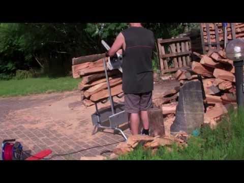 chevalet pour d biter du bois de chauffage en buche de doovi. Black Bedroom Furniture Sets. Home Design Ideas