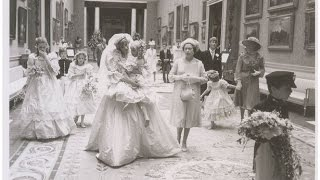Charles and Diana's wedding day: Never before seen pictures taken in Buckingham Palace