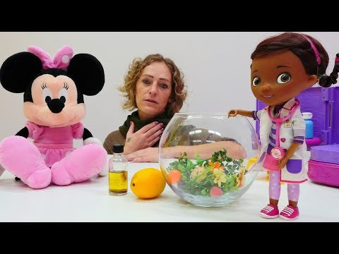 Doc McStuffins hat Sprechstunde - Nicole hat Halsweh - Wir gehen zur Spielzeugärztin
