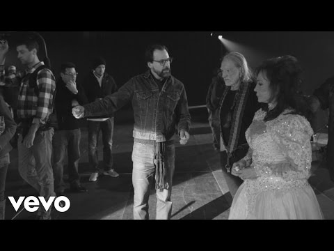 """Loretta Lynn - The Making of """"Lay Me Down"""" (Duet with Willie Nelson)"""