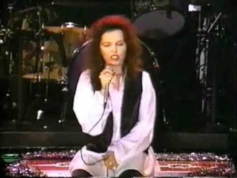 PAT BENATAR - Have Yourself a Merry Little Christmas (1988) - YouTube