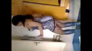 sexy arabic dance رقص ملوكة المصرية بقميص النوم اغراء.flv