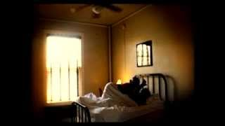 Official Music Video - 'Les Draps Sourds' -  Marianne Dissard - Album 'L'Entredeux' (2008)