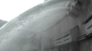 広島県温井ダム放水 thumbnail