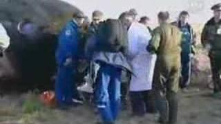 ISS Exp 14 landing (Soyuz TMA-9)