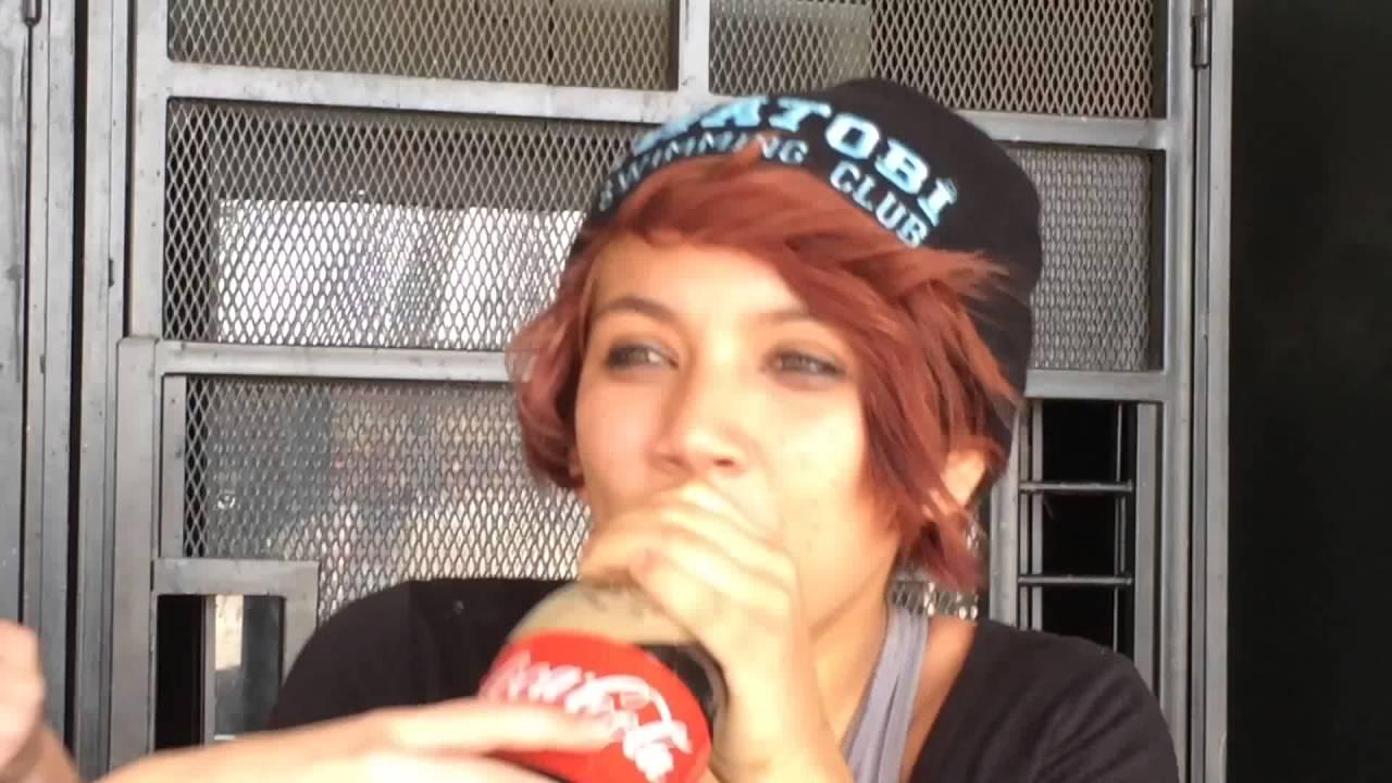 2 girls 1 coke bottle || max