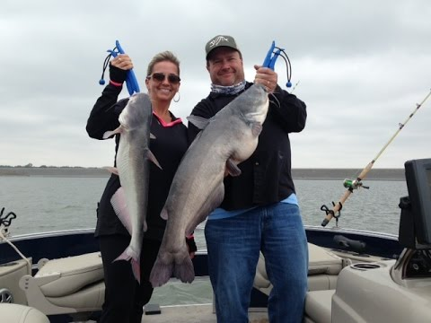 Blue catfish w joshercat outfitters milford lake ks for Milford lake fishing report
