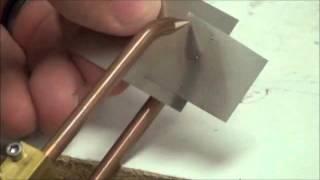 Точечная сварка стальных листов внахлест аппаратом CD100SPM(Точечная сварка стальных листов внахлест. В первом случае используется аппарат точечной микросварки емкос..., 2015-03-17T08:54:18.000Z)