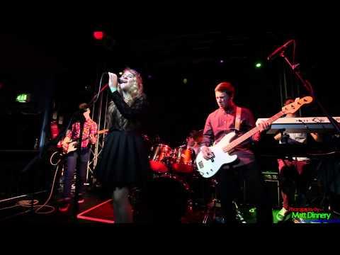 Eliza Smiles - Somebody That I Used To Know (Gotye Cover)