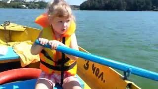 Плывём на лодке