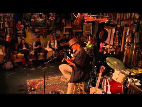 QUANTUM 7 Transcendent Tonality 31 tone guitar