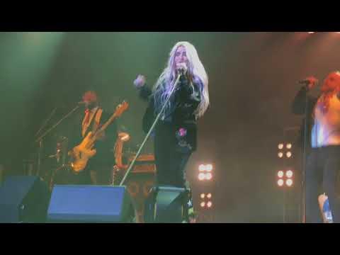 Kesha performing Woman live at Kissmass Bash 2017 - Buffalo NY