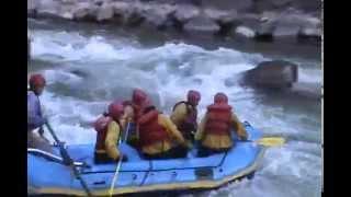 familia wings en canotaje, rio urubamba-cusco