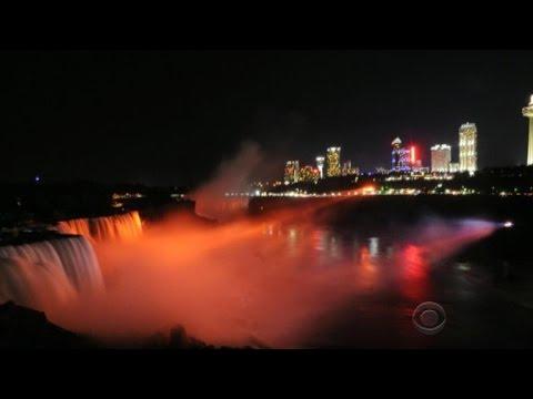 Niagara Falls debuts new light system