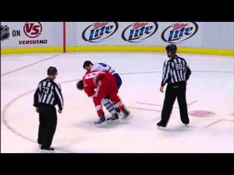 Darryl Boyce vs Justin Abdelkader - Mar 26th 2011 (HD)