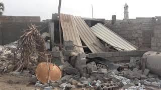 تعددت أساليبها والإرهاب واحد .. مليشيات الحوثي تواصل قصف واستهداف منازل المواطنين في حي منظر