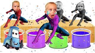 Funny Baby Spiderman Bathing Colors مضحك الطفل الاستحمام الألوان لتعلم الألوان للأطفال مع الأغاني