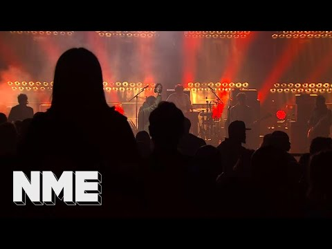 Liam Gallagher plays 'Cigarettes & Alcohol' live | VO5 NME Awards 2018