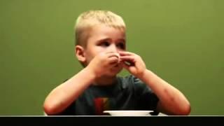 Психологический эксперимент над детьми в США(В Америке и Великобритании очень популярен Зефирный Экзамен. Детей 4-7 лет осталяют наедине с зефиркой. Им..., 2013-02-16T22:43:34.000Z)