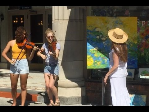 Artist Lisa Palombo and Saratoga fiddlers