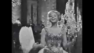 Lucia Popp - Frühlingsstimmenwaltzer (Voices of Spring)  - filmed in 1965
