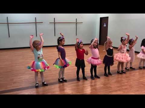 Izzy's Dance Class…Gimme Some Lovin'