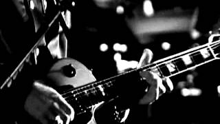 U2 - Love is blindness (ZooTV Tour, Black and White)