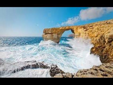 Malta's Azure Window collapses into the sea
