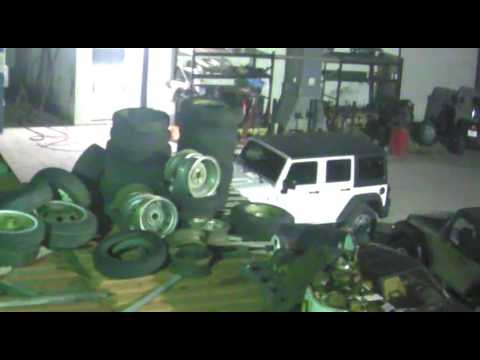thief stealing jeep at collins bros youtube. Black Bedroom Furniture Sets. Home Design Ideas