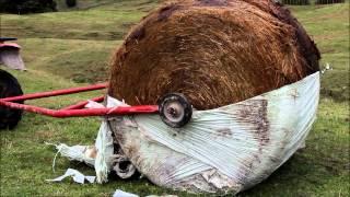 Rollit Hay Feeder Demonstration