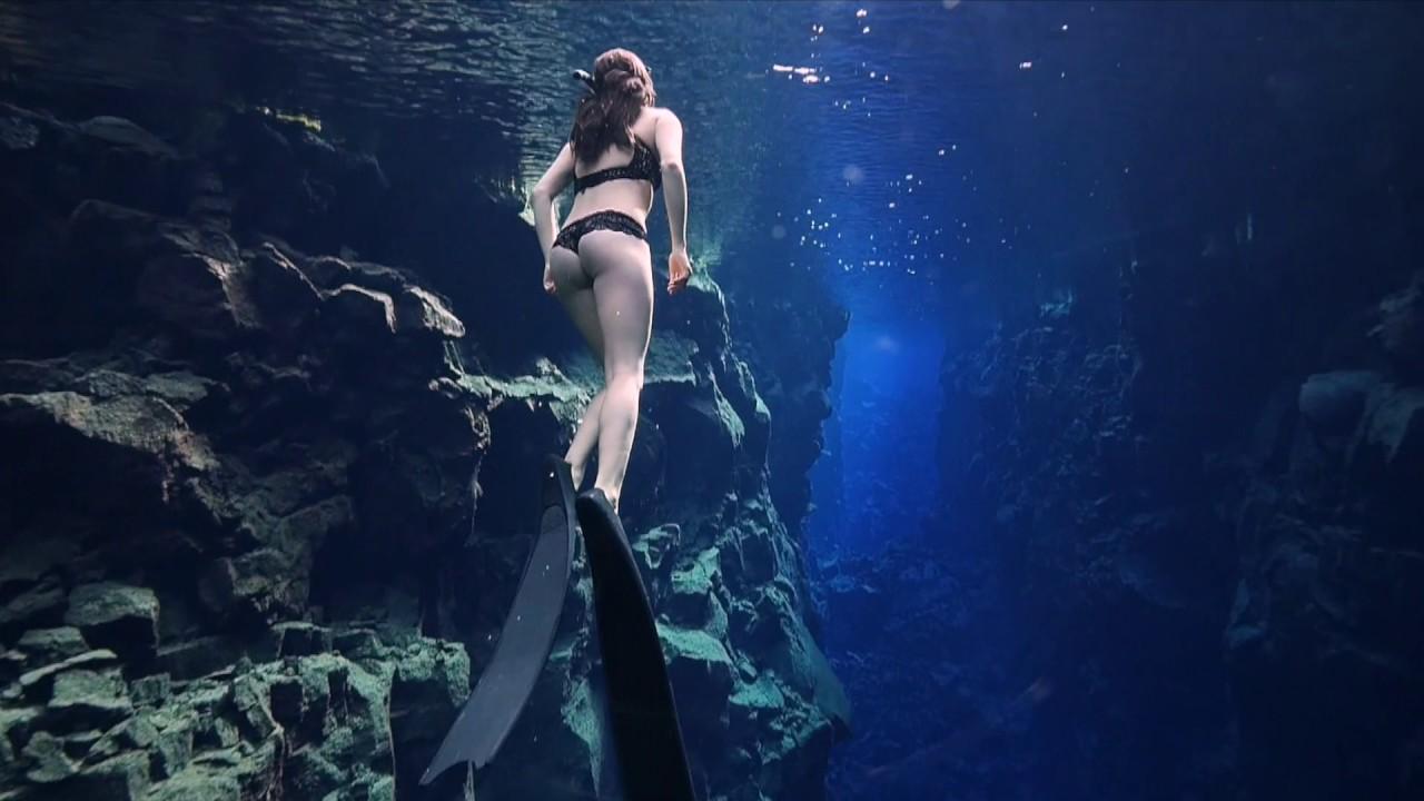 nude freediver