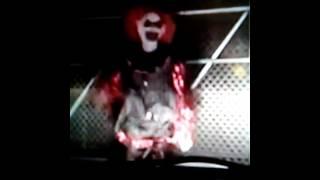 Clown dancing 2 juju on the beat😂