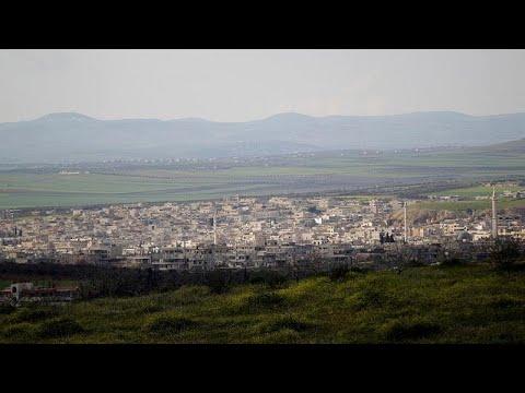 مقتل 3 أشخاص جراء ضربات جوية قرب رتل عسكري تركي أثناء توجهه إلى إدلب …  - نشر قبل 2 ساعة