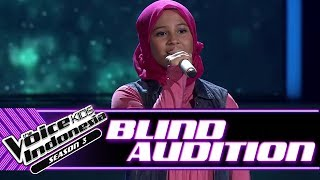 Video Alyssa - Cinta Sejati | Blind Auditions | The Voice Kids Indonesia Season 3 GTV 2018 download MP3, 3GP, MP4, WEBM, AVI, FLV Agustus 2018