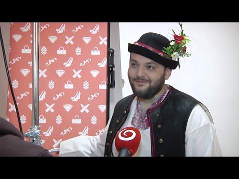 Juniorova Folklórna Minulosť V Súbore Zemplín (MOJA MAMA VARÍ LEPŠIE AKO TVOJA)