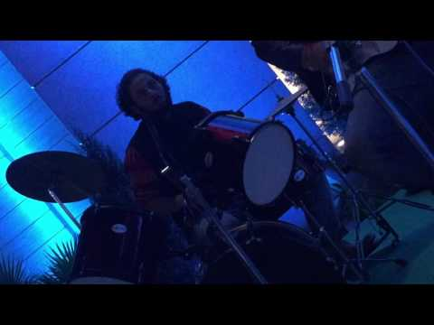 "Laal Ishq (electro pop version) by ""MRITYUNJAYA"" The Band... At vivan resort and cafe"