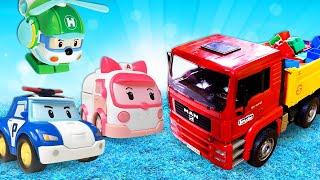La vie secrète des jouets. Robocar Poli et son équipe. Vidéo en français pour enfants.