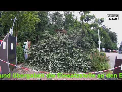 Ennepetal Neustrasse Baumarkt  Baum auf Imbissbude 23.07.2017