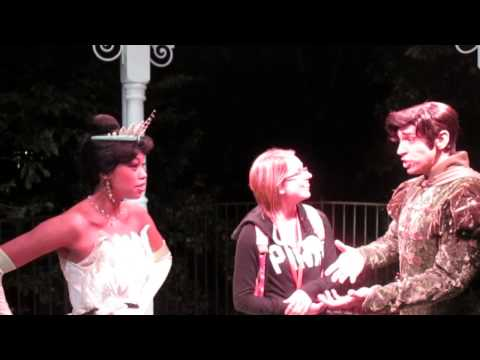 Disney Dreamers Academy Day 1 - Interview with Princess Tiana and Prince Naveen