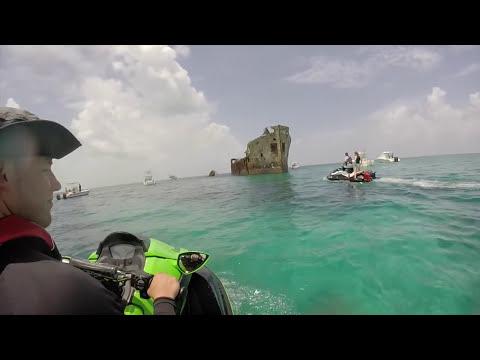 Key Biscayne to Bimini Bahamas (Four jet skis 7 great friends)