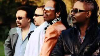 Earth, Wind & Fire-Love Is The Greatest Story